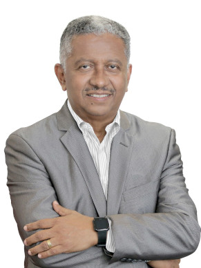 Dr. Eduardo Ortega