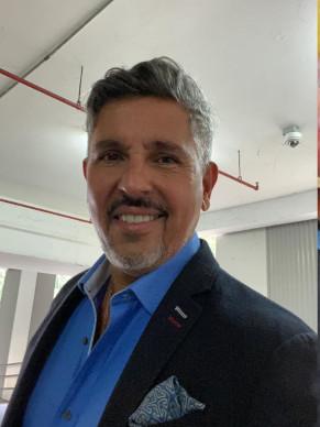 Dr. Pedro Echeverria